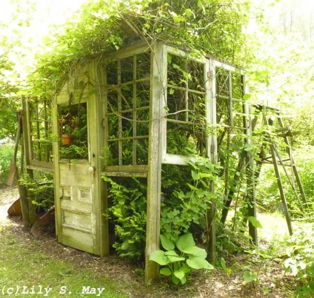 Earthbound Gardens